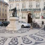 Largo do Chiado, plaza de cultura y arte religioso