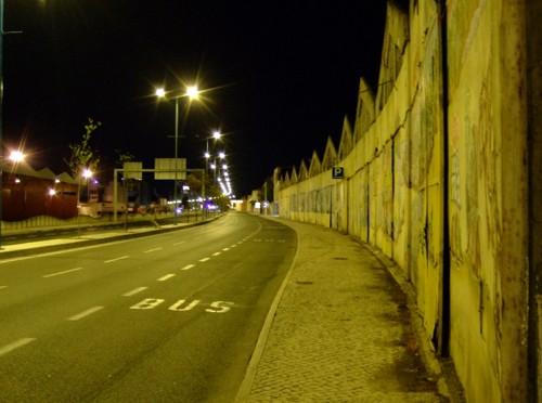 Avenida Infante Dom Henrique, arteria principal