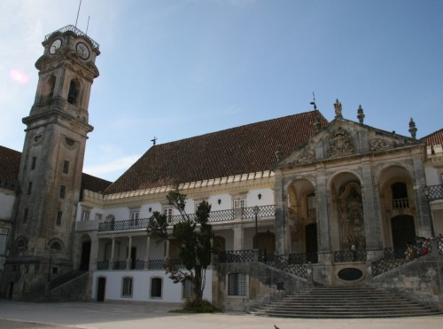 Universidad de Coimbra, edificio fundado en Lisboa